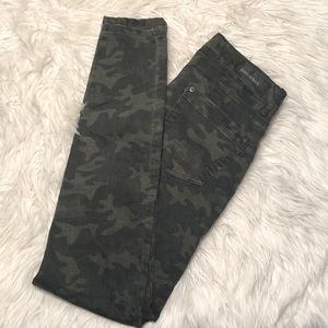 *3 for 12*NWOT Camo Skinny Jeans